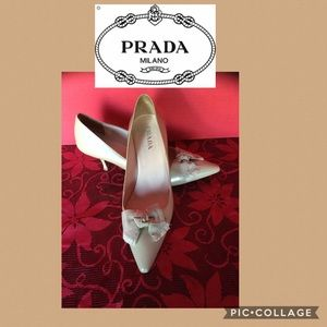 PRADA size 7 1/2 pointed toe bow patent leather